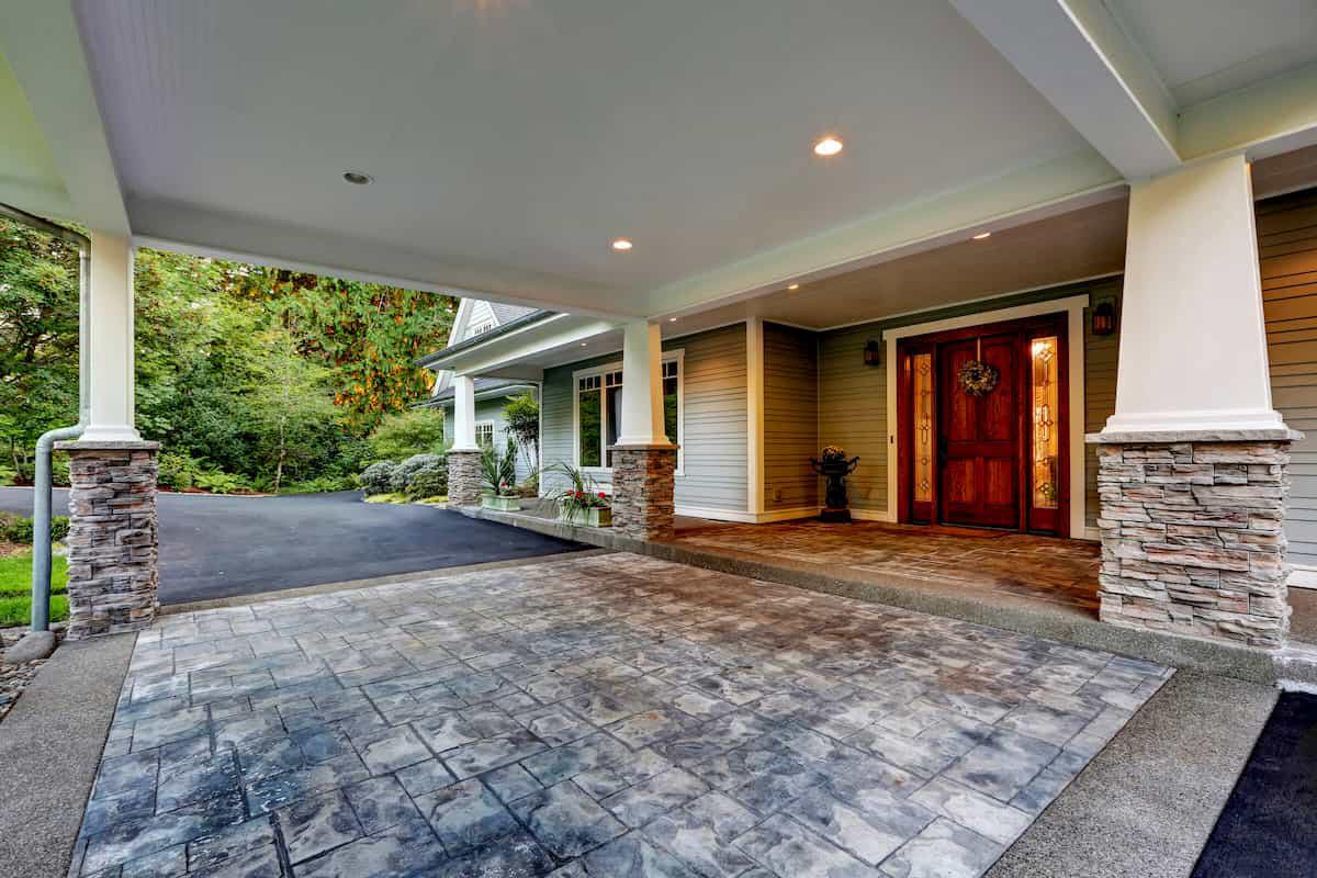 Concrete vs. Asphalt Driveways: Which One to Choose?